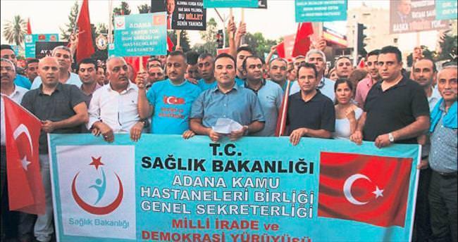 Sağlık çalışanlarından 'Demokrasi Yürüyüşü'