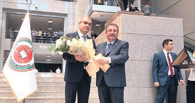 İstanbul Adliyesi'nde devir teslim