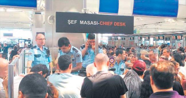 Havalimanında 10 günde 58 gözalt ı