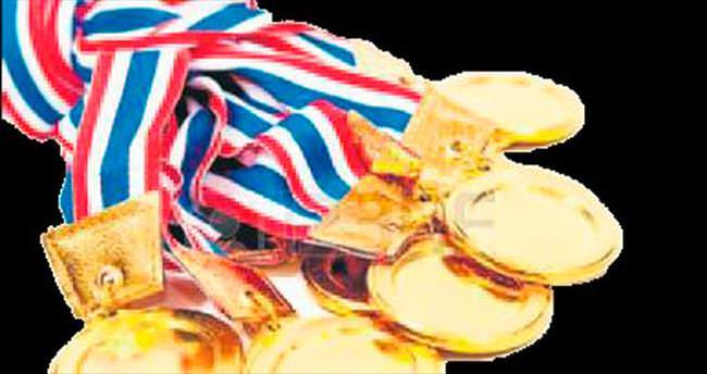 Türkiye üç tanesi altın toplam 10 madalya alır