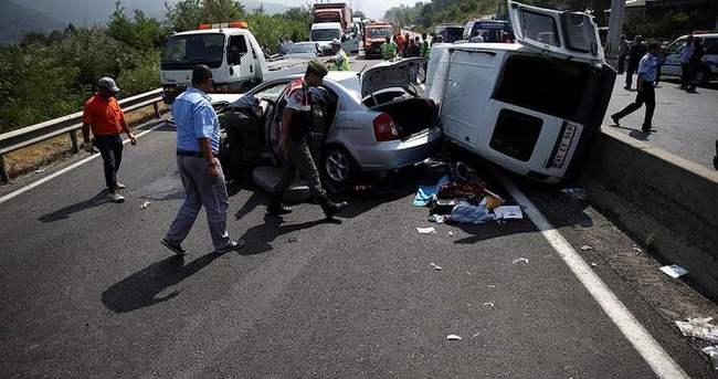 Doğuma giderken feci kaza: 7 kişi yaralandı