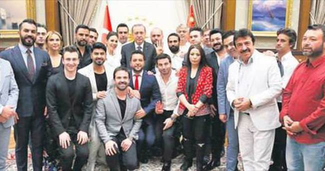 Sanatçılardan Cumhurbaşkanı Erdoğan'a teşekkür ziyareti