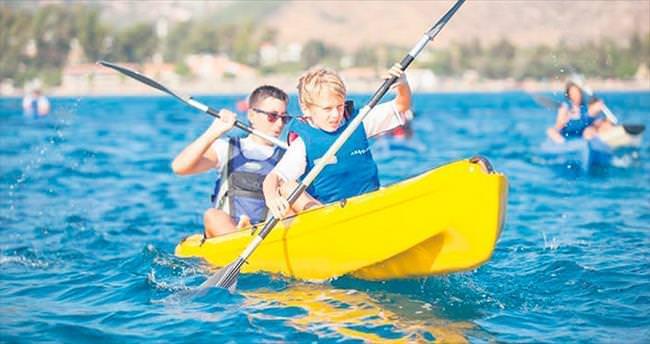 Denizsiz kentin yelkenci gençleri