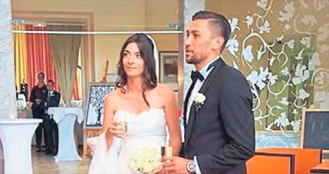 Alanyasporlu Deniz evlendi