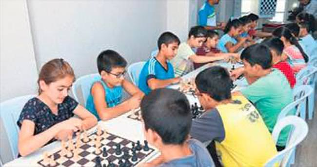 Sarıçam'da satranç kursu