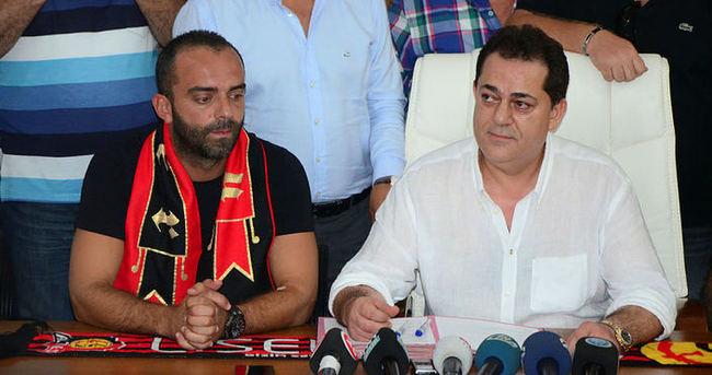 Semih Şentürk resmen Eskişehirspor'da