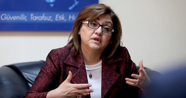 Fatma Şahin: Darbeci olmayan askerleri zorunlu izne çıkartmışlar