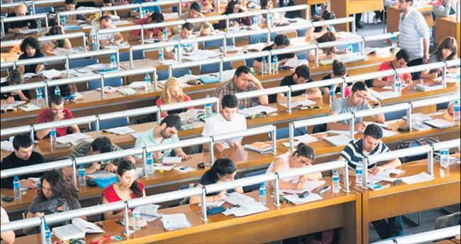 Milli Kütüphane'de ders çalışmaya devam