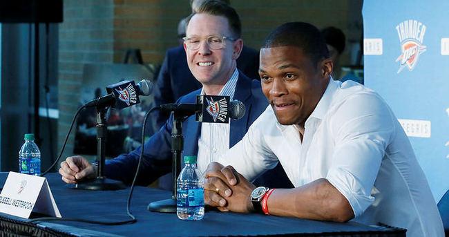 Westbrook, Thunder'la 'devam' dedi