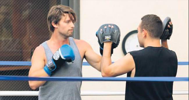 Sportif çift boks dersinde