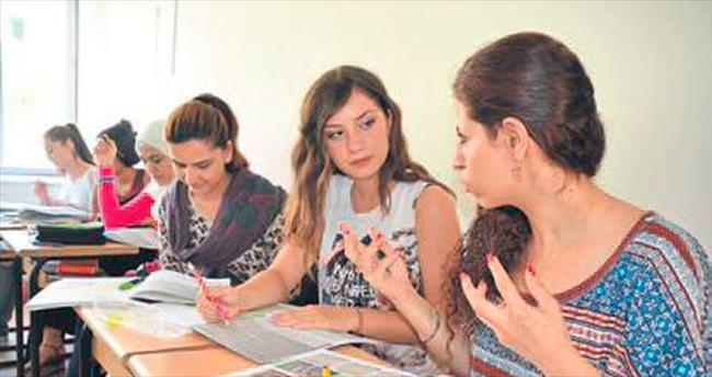 Türkçe dersi devam ediyor