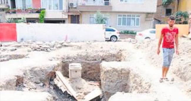 İnşaat kazısında kalıntılara ulaşıldı
