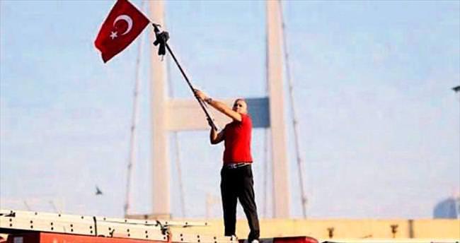 İşte köprü direnişinden kalan kanlı bayrağın öyküsü...
