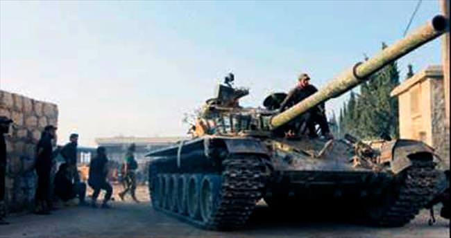 Muhalifler Halep kuşatmasını kırdı