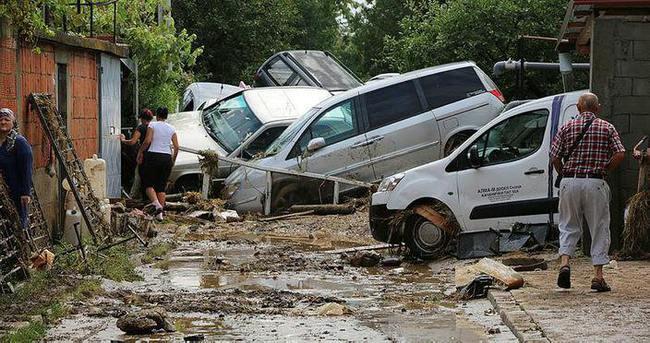 Makedonya'da sel: 15 kişi hayatını kaybetti