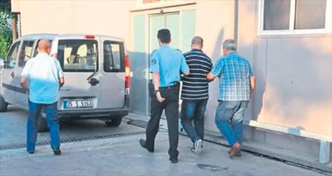 Cezaevi müdürüyle 7 memur gözaltında