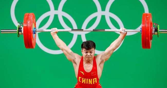 Long, iki dünya rekoruyla altını kaptı