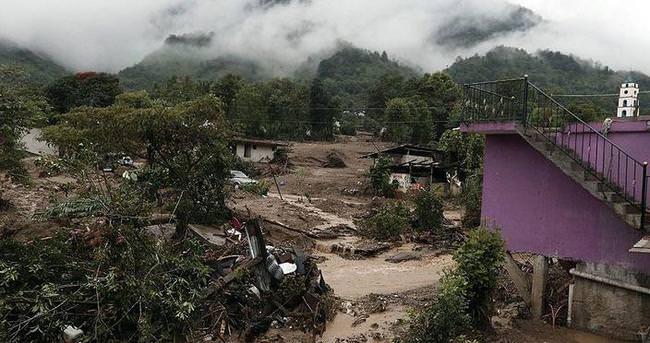 Meksika tropikal fırtınanın etkisi altında: 39 ölü