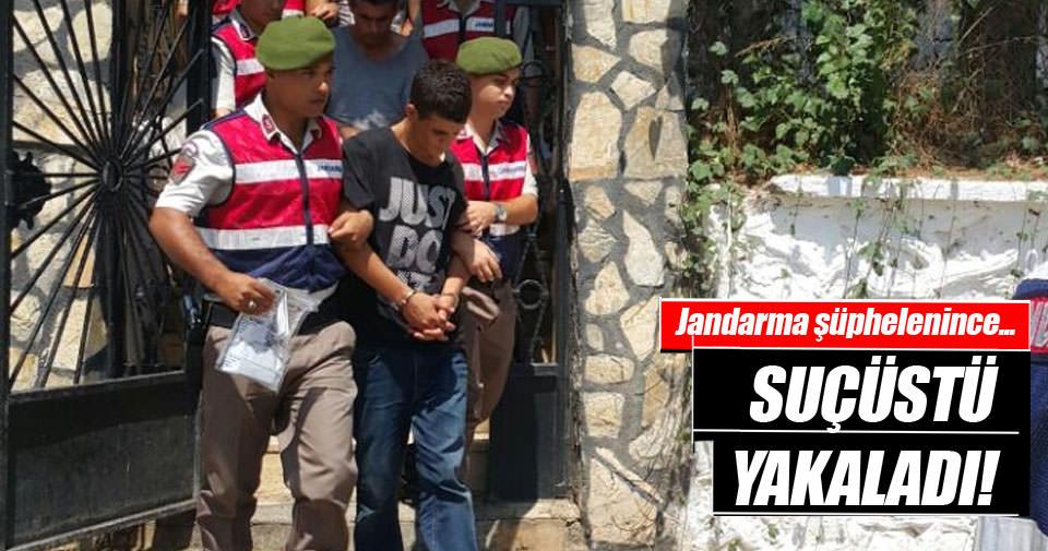 Jandarma arabadan şüphelendi, hırsızları suçüstü yakaladı