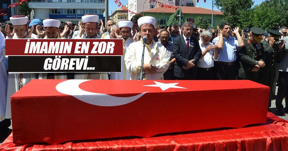 Şehidin cenaze namazını imam abisi kıldırdı