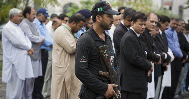 Pakistan'da hukukçular bir günlük boykotta