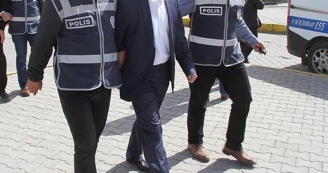 Dicle Üniversitesinde 64 personel gözaltına alındı