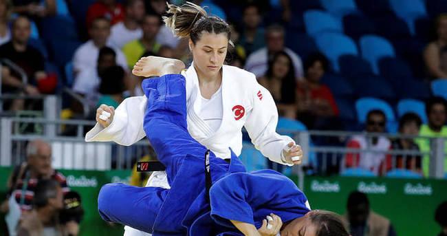 Büşra, Rio'ya son 16'da veda etti