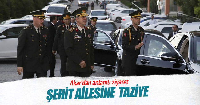 Orgeneral Akar şehit Ertürk'ün annesini ziyaret etti