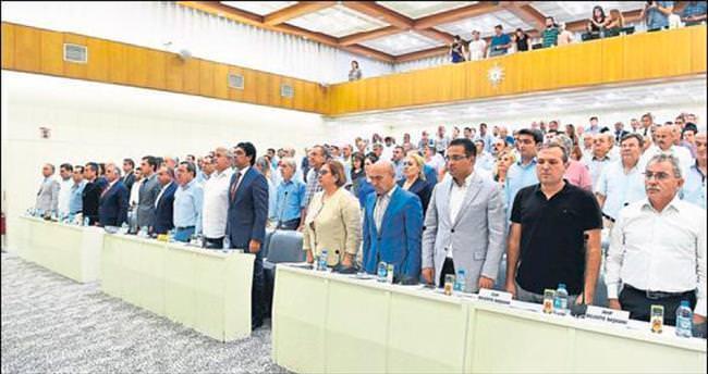 İzmir'e 15 Temmuz Demokrasi Şehitleri Meydanı