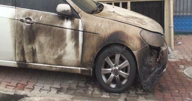 Boşandığı eşinin ailesine ait otomobili yaktı