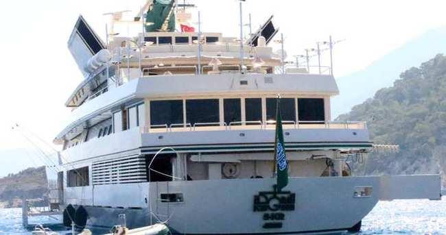 Suudi prens El Suud lüks yatıyla Kemer'e geldi