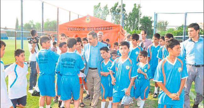 Yüreğir'de yaz futbol okulu devam ediyor