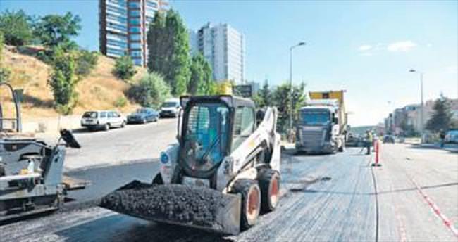 Dikmen Caddesi'nde asfalt serimi başladı