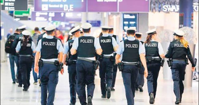 Almanya'da polis denetimi sıklaşıyor