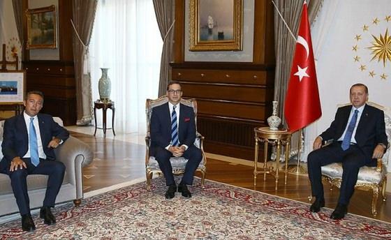 Cumhurbaşkanı Erdoğan, Ömer Koç ve Ali Koç'u kabul etti
