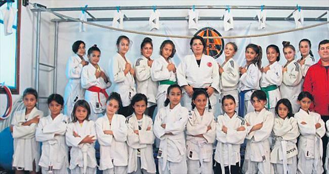Bayan judocular Başkent'te