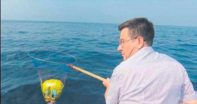 Deniz zabıtası temizlik yaptı