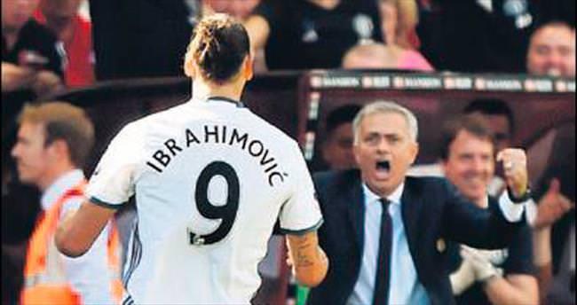 Zlatan İbrahimoviç golle Mourinho 3 puanla başladı