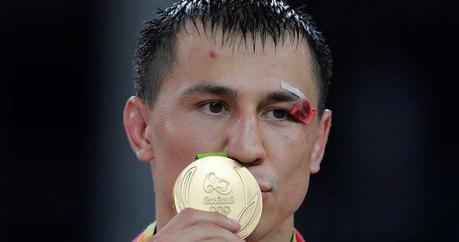 Molina ve Vlasov'a altın madalya