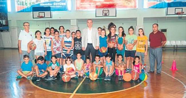 Ceyhan'da yaz okulları sürüyor