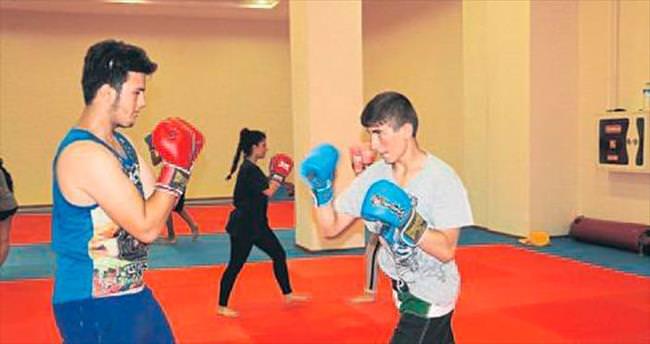 İl Spor Merkezi kursları sürüyor