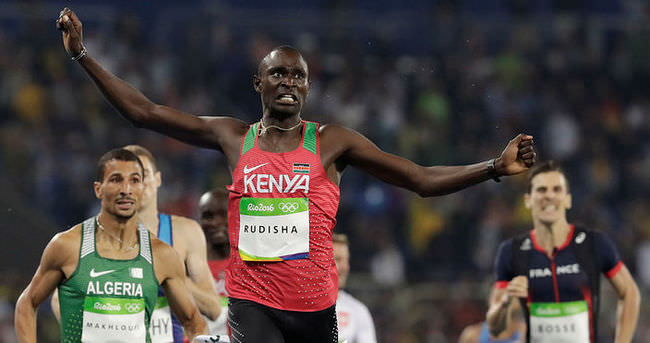Rudisha, 800 metrede duble yaptı