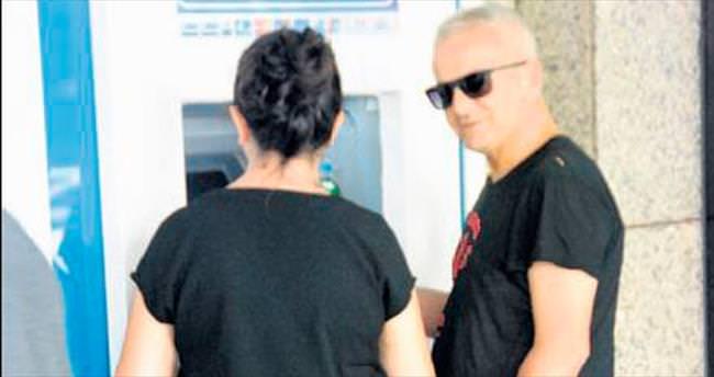 Kartını ATM 'ye kaptırdı
