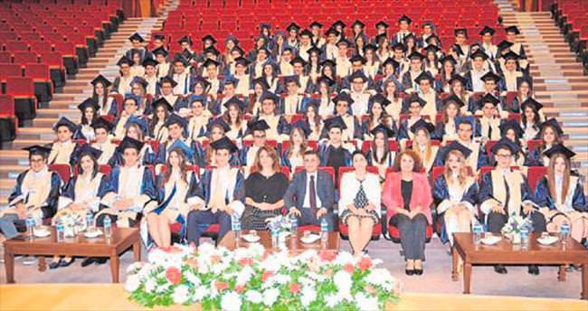 Özel Ege Lisesi mezunlarının başarısı
