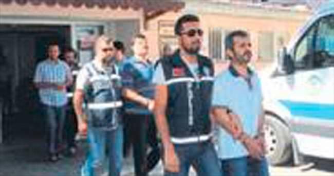 Manisa'da 33 polis adliyede