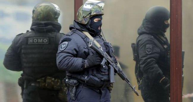 St. Petersburg'daki patlama ve silah sesleri panik yarattı