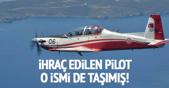 İhraç edilen pilot binbaşı Genelkurmay Başkanı Akar ile uçmuş