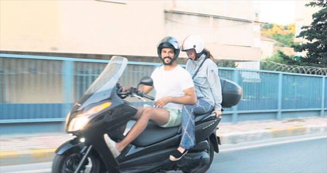 Burak ile Fahriye motosiklet turunda