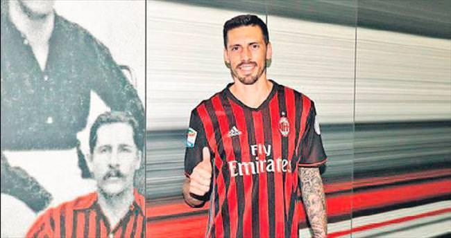 Milan taraftarını çıldırttı!