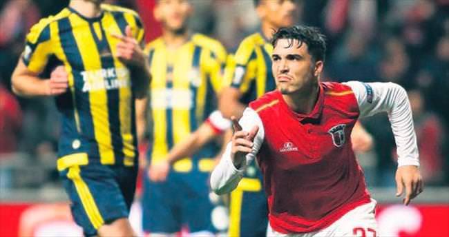 Aslan, Josue'yi bitirdi Portekizli bugün geliyor